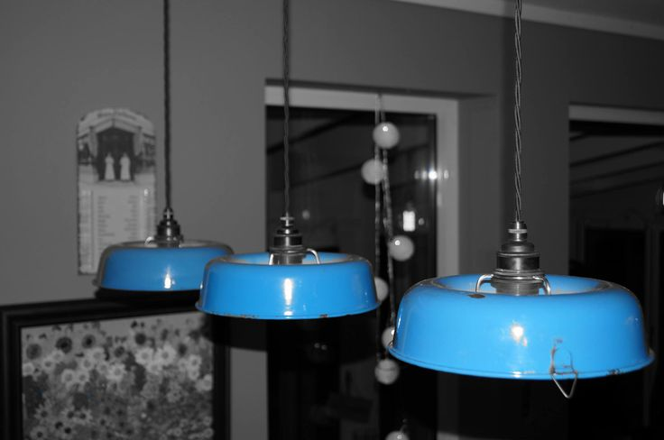 Pendant lamps made from upcycled cake tins in blue enamelware from the 50's.