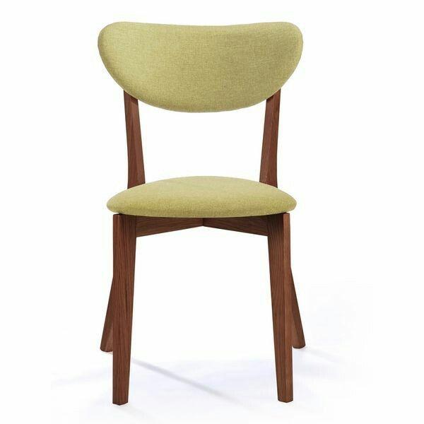 Kursi Lion ini terbuat dari kayu mahogany solid dengan model kaki silang dan di produksi oleh empat putra furniture