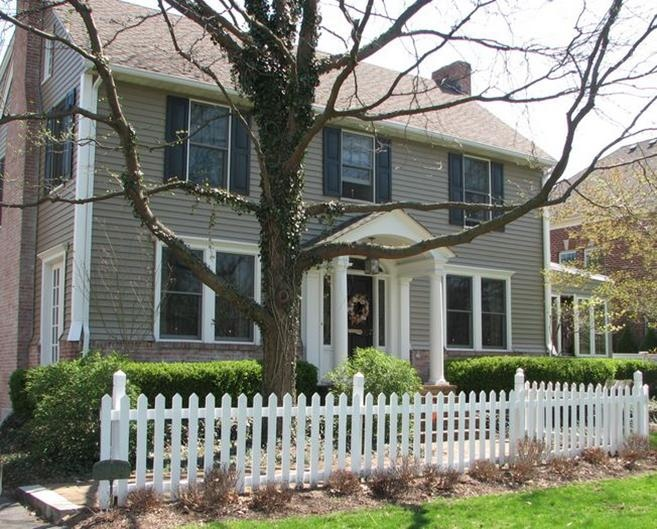 Dark Taupe Siding With Black Shutters And Door House Exterior Pinterest Taupe Black