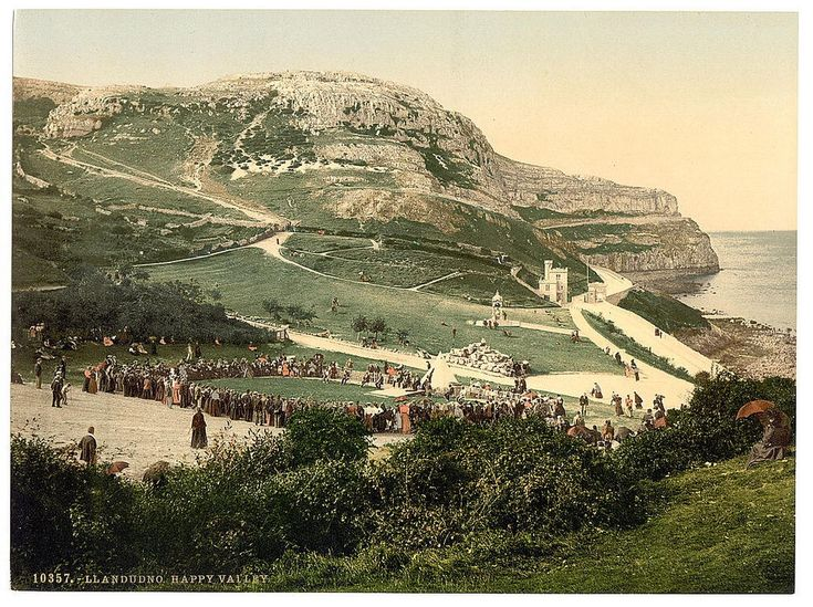 Llandudno old photo; wonder what' going on there then?