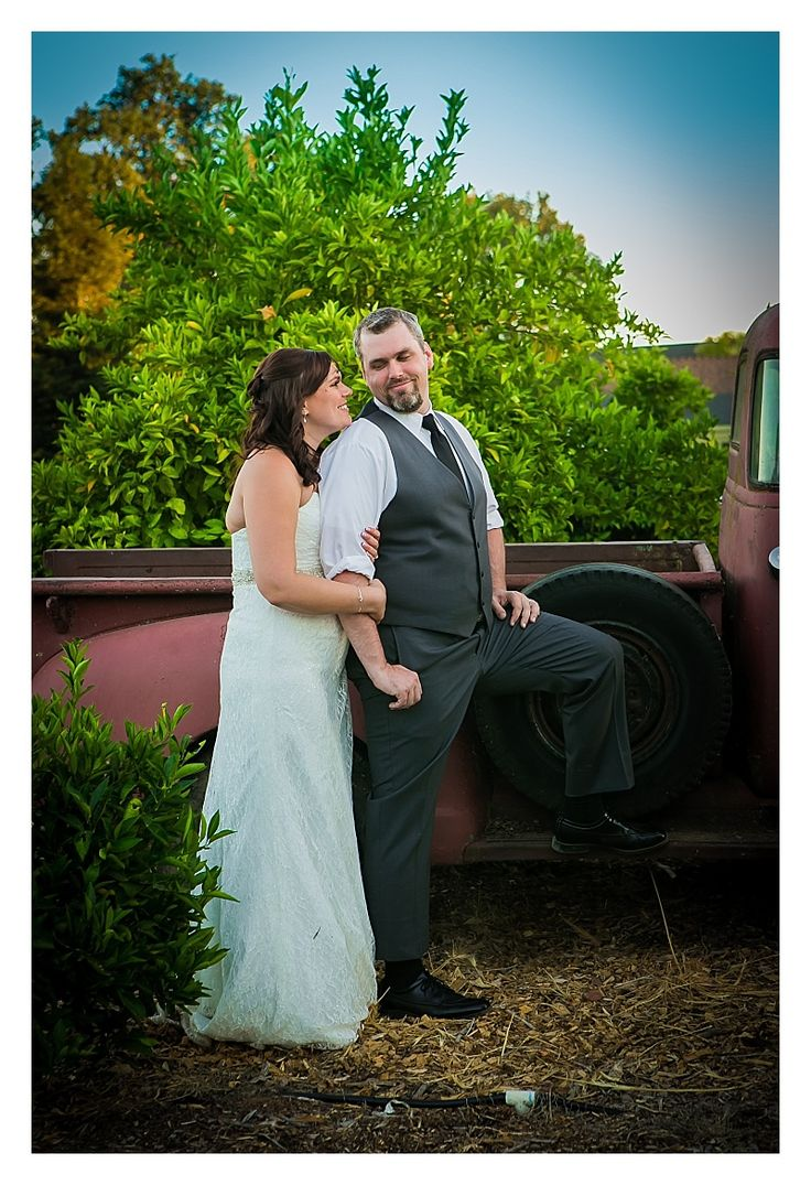 Flower Farm Inn, Wedding Photographer, Wedding Photography, Donna Beck Photography, Old Truck, Wedding Pictures, Wedding Picture ideas, bride and groom, Sacramento Wedding Photographer