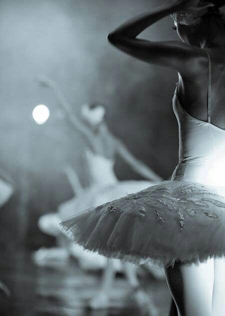 Schwarzer schwan ballett
