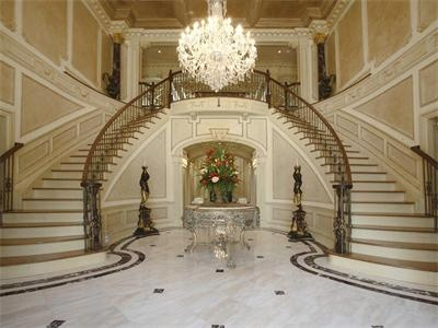 what a beautiful staircase!