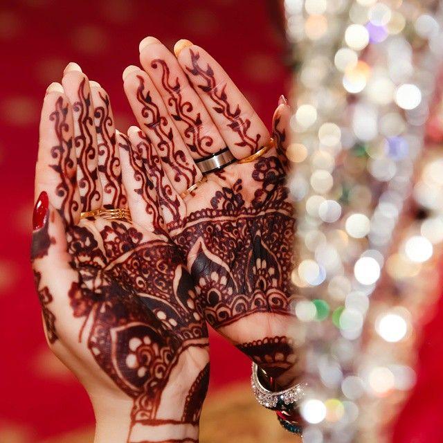 Mehndi Photography Poses : Amazing mehndi colour photo by tehmeena photography