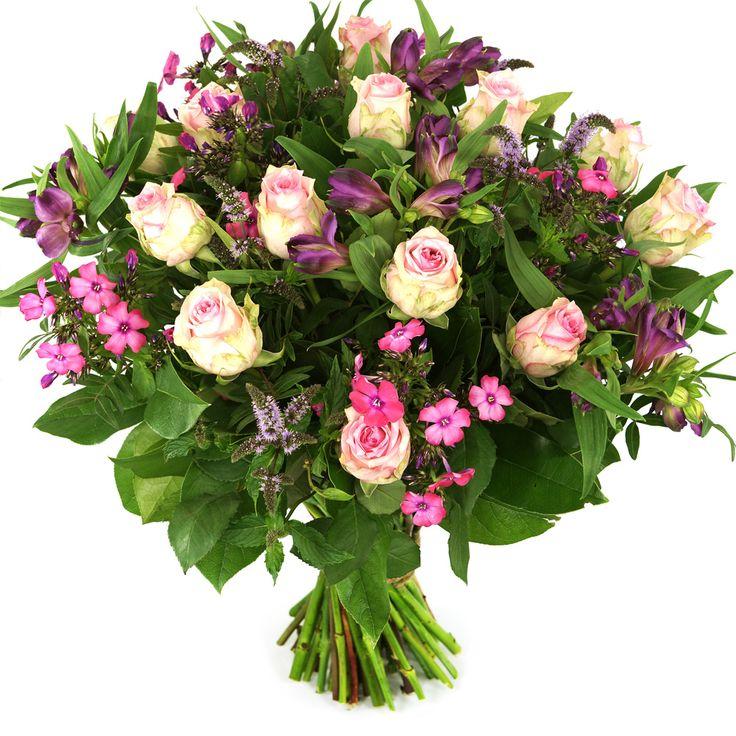 Mooie roze rozen gecombineerd met roze bloemen maken dit boeket tot een feestelijk cadeau.    Zeer geschikt om te geven voor een verjaardag, beterschap, je vriendin, etc.   Thuiswinkel Lid. Vers garantie. Snel bezorgd. BoeketCadeau.nl