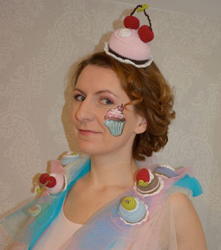 Karneval Kostüm Törtchen. Cute Carnival Costume Cupcake. Wandpiraten