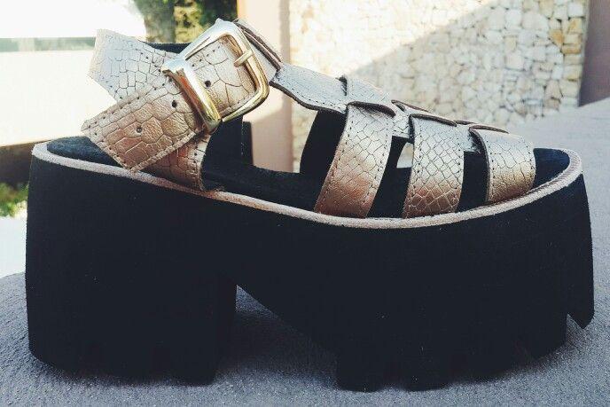 NEW IN STORES ➡➡ Gaudi Vip Gold ☆☆☆ #sofiadegrecia #fashion #style