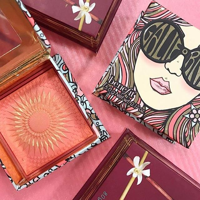 We totally cannot get enough of this gorgeous GALifornia blush! Perfect for a sunkissed look xx