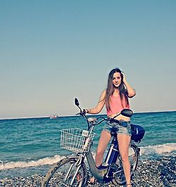 A beautiful girl on one of our electric bikes (Elia trendy) #girl #girlbike #bike #e-bike #e-bicycle #electricbikes #sea #beach #blue #pink #trendy #retro #ilektrikopodilato  www.eliabikes.gr Ηλεκτρικά ποδήλατα-ηλεκτρικα μοτοποδηλατα