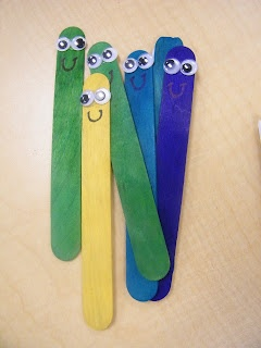 Eyes on the Word! -- Use sticks with wiggly eyes to help students remember that their eyes need to stay on the words!