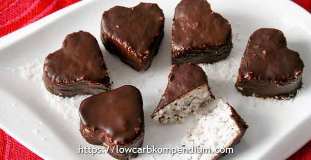 Low Carb Kokos-Pralinen Leckere Pralinen mit Kokosnuss und Chia-Samen als Alternative zum Bounty
