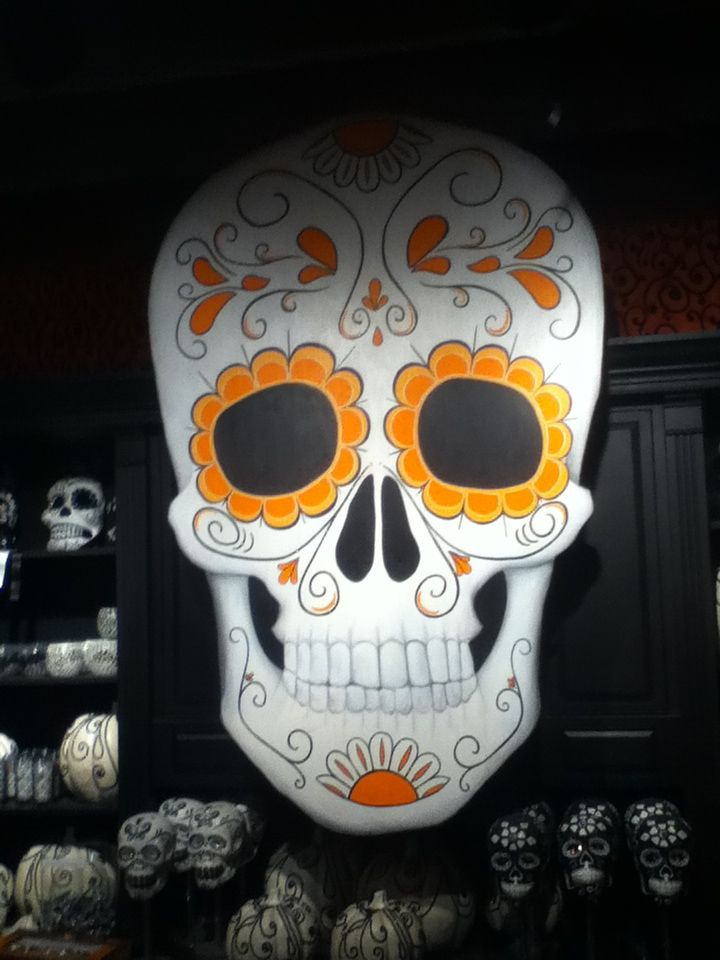 Dia de los muertos display at roger 39 s gardens in corona for Cafe jardin corona del mar