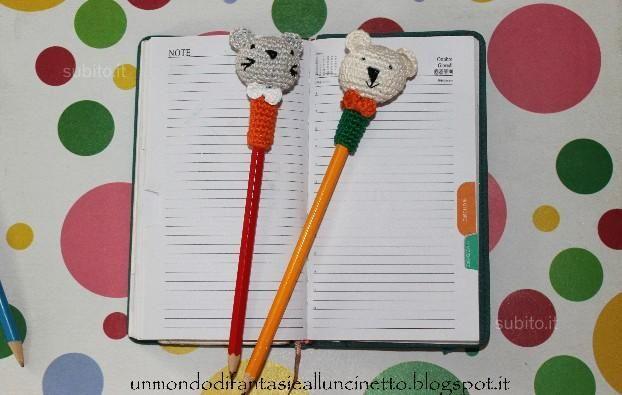 Copri-matite con faccine all'uncinetto - Tutto per i bambini In vendita a Napoli