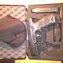 H&K SFP9: První majitel.Zakoupeno květen 2016. Faktura,manual,atd. Nastříleno cca.800FMJ. 2x zásobník střenky,pouzdro dasta. Občas nošeno.Spolehlivá přesná bez uprav.https://s3.eu-central-1.amazonaws.com/data.huntingbazar.com/10600-h-k-sfp9-pistole.jpg