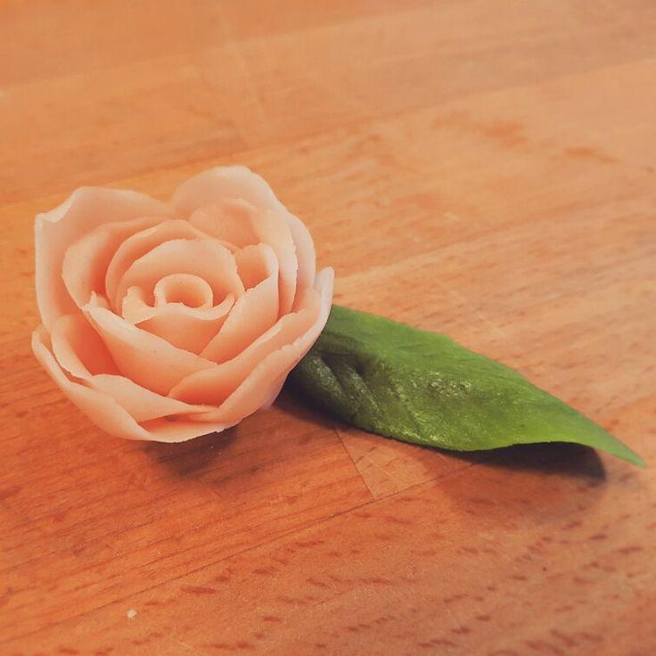 En lille marzipan rose