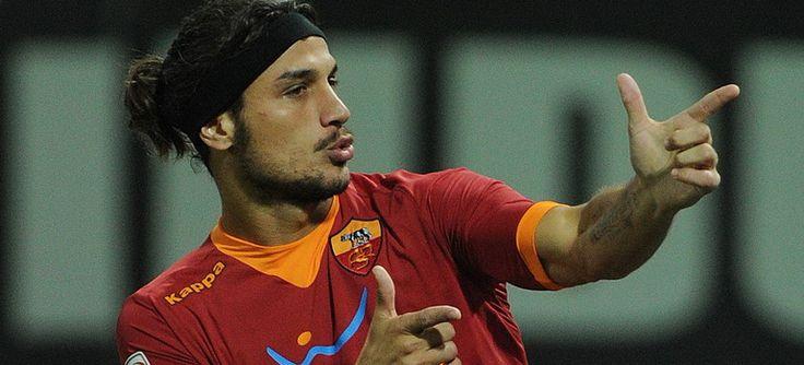 Osvaldo Berebut Penalti Dengan Totti - %TEXT - http://blog.masteragenbola.com/osvaldo-berebut-penalti-dengan-totti/