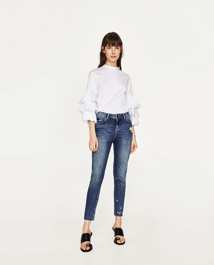 ZARA - WOMAN - EMBROIDERED MID RISE JEANS