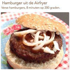 Verse hamburger uit de Airfryer. 200 graden, 8 minuten. AK