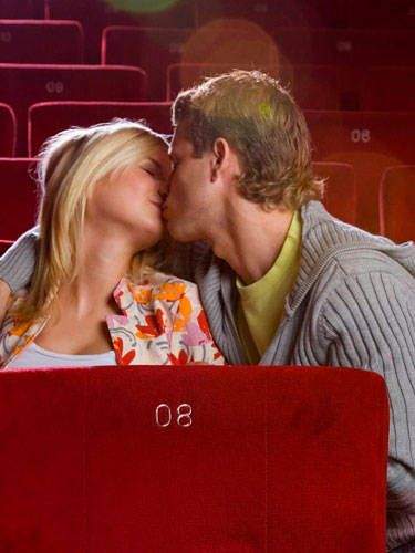 fun kissing games for couples
