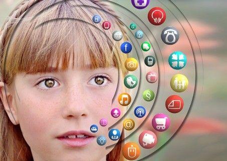 Γιατί οι έφηβοι είναι κολλημένοι με τα social media
