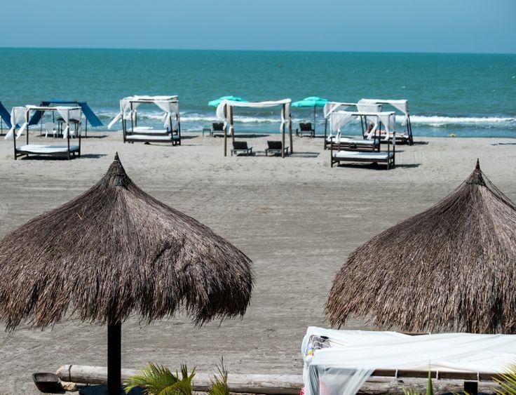 Club de #Playa, ubicado frente a #Karmairi #Hotel #Spa.
