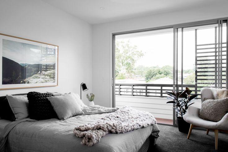 Wooloowin display home master bedroom suite. Image by Cathy Schusler. kalka.com.au
