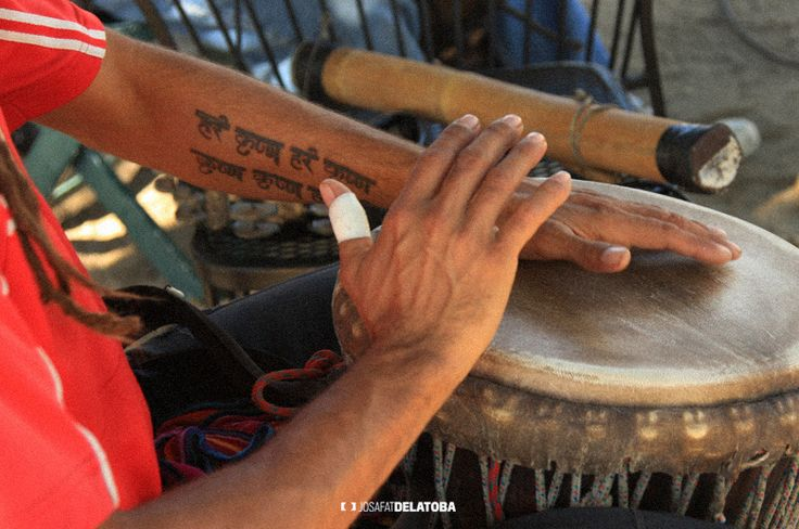To the drum beat in the organic market  #josafatdelatoba #cabophotographer #mexico #bajacaliforniasur #loscabos #sanjosedelcabo #handcraft #mercadoorganico #sanjomo