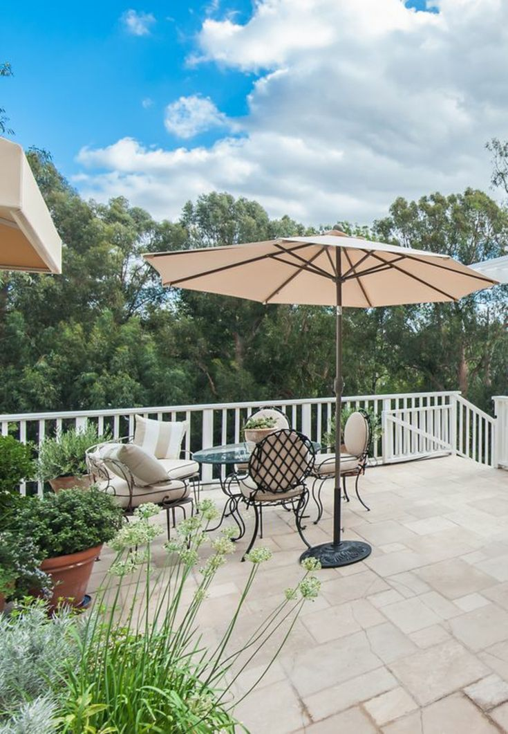 die besten 25 sonnenschirm garten ideen auf pinterest terrasse sonnenschirme sonnenschirme. Black Bedroom Furniture Sets. Home Design Ideas