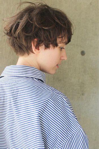 ジェンダーレスがキーワード。少年と少女が同居する「ショートヘア」カタログ