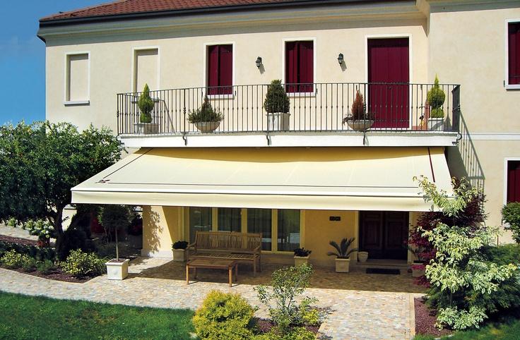 Copertine, copertine retractabile superbe cu brate mobile modele Dim 300 pentru terase locuinte, terase amenjate confort si relaxare pe timpul verii. Copertine de calitate superioara Gibus, preturi excelente.