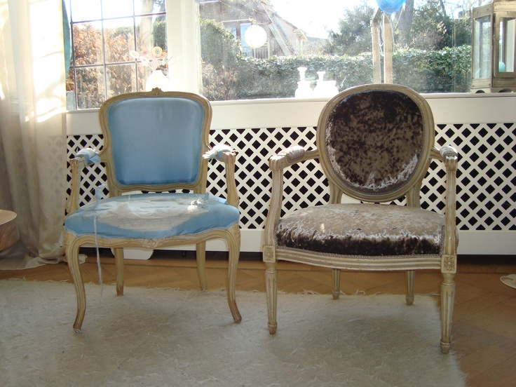 Before and after. Gestoffeerde stoeltjes.