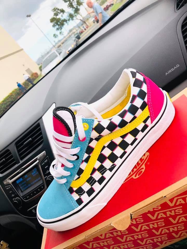 Pin de Antonella Guerrero en Ropa tumblr en 2020   Zapatos vans