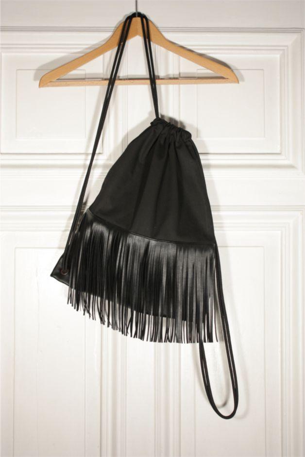 Turnbeutel mit Fransen, Kunstleder // fringes gym bag, faux leather via DaWanda.com