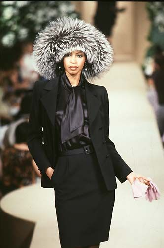 52 best images about yves saint laurent haute couture f w 1997 on pinterest coats models and. Black Bedroom Furniture Sets. Home Design Ideas