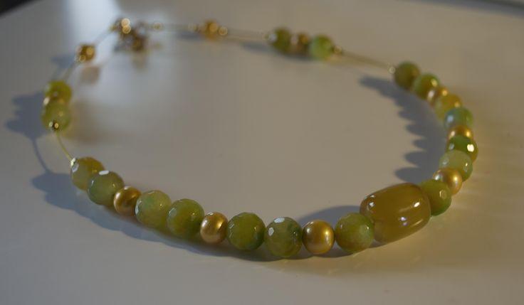 Collana girocollo: agata e perle di fiume