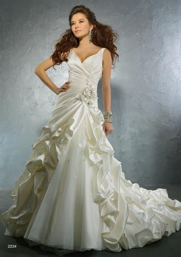 2234 Wedding Dress – Alfred Angelo Autumn 2011 Collection