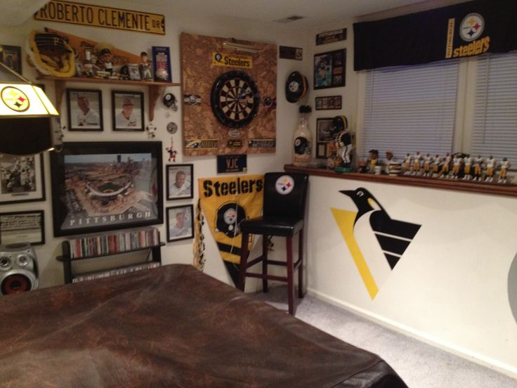 Best 25 Small Game Rooms Ideas On Pinterest Man Cave