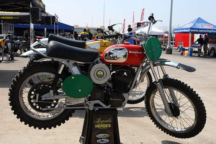 I rode one of these when I stayed with my Uncle Kenneth in Moore, Okla. as a kid. It was a friend of his Danny's Husky.