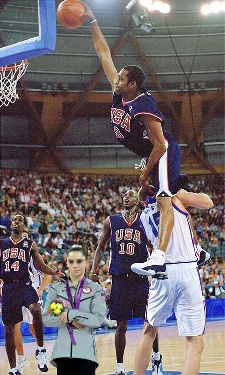 Vince Carter jumps OVER 7 footer in game (team usa)  STILL NOT IMPRESSED