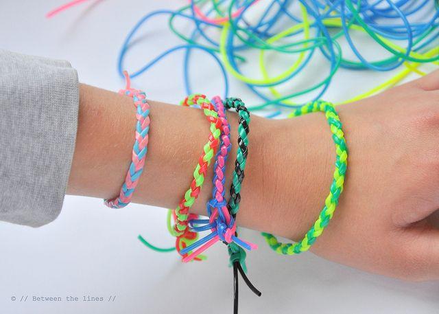 Quatro pulseiras trança redondas vertente