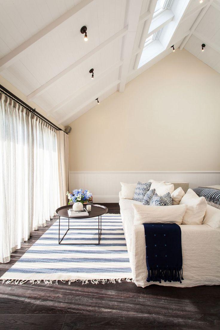chambre-sous-combles-beige-bleu