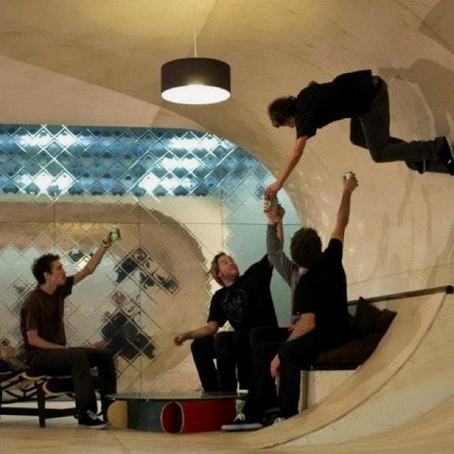 Casas Extrañas, Pistas De Skate