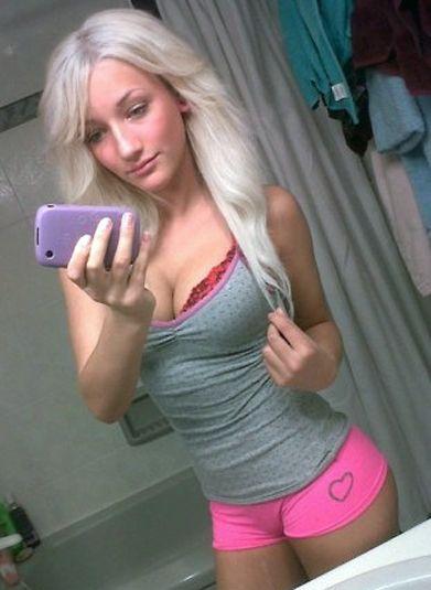 Girls nude blowjob gif