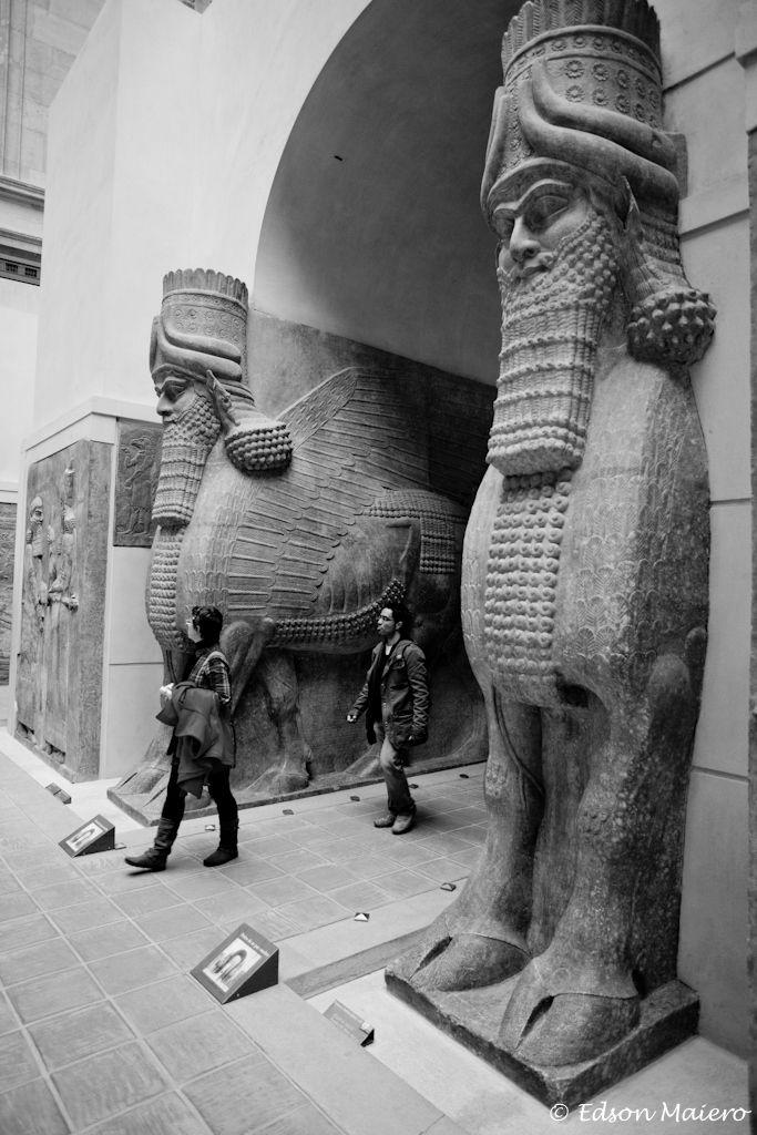 Ala do Império Persa e Assírio – Búfalo Alado – Androcephalous (Iraque – 713-706 AC)