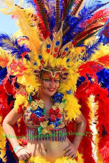 Comparsa de Tradición.  Carnaval de < Barranquilla  Colombia