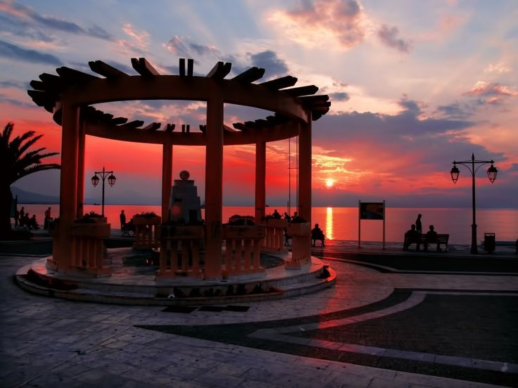 Loutraki ~ The ideal destination for getaway trips and moments of relaxation with spectacular sunset views!
