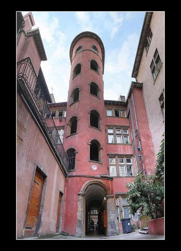 Très Plus de 25 idées magnifiques dans la catégorie La tour rose lyon  PV22