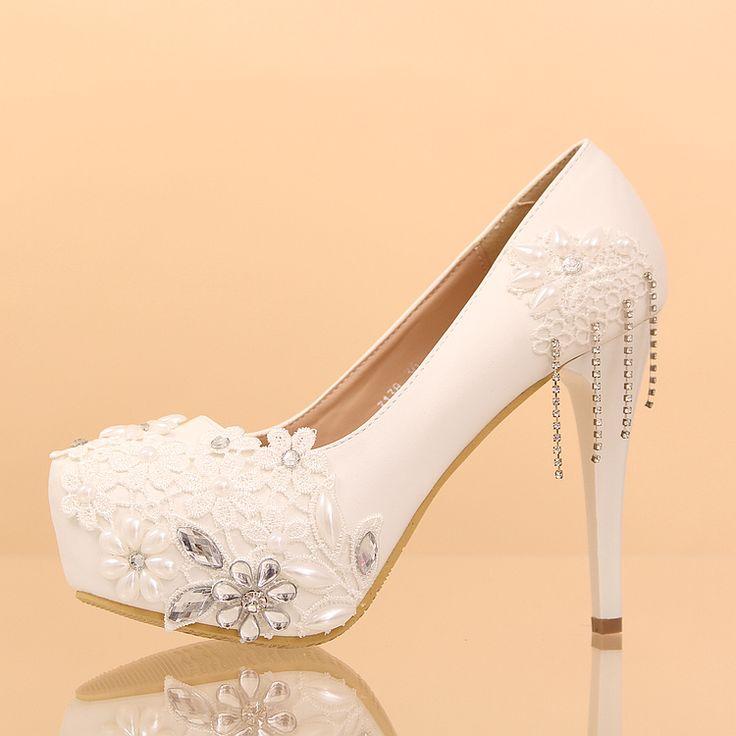 Chaussures femme pas cher recouvert de dentelle florale strass perles escarpin mariage au talon plate-forme chaussure de mariée
