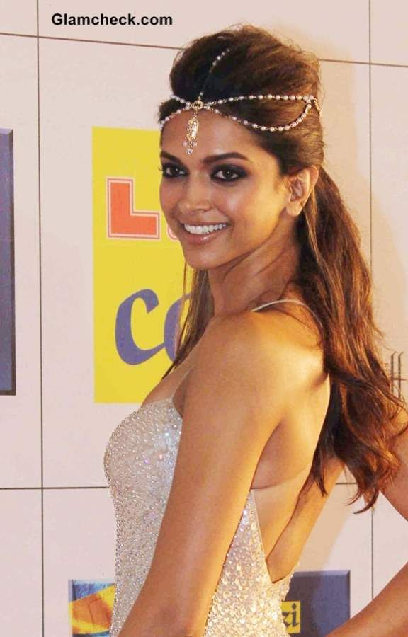 Deepika in Naeem Khan Gown & Matha Patti at Zee Cine Awards (Feb) 2014