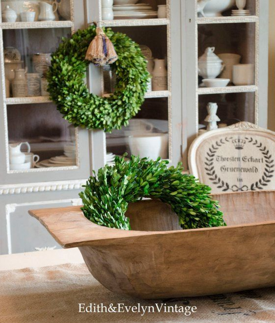 Decorating with Boxwood Wreaths | Edith
